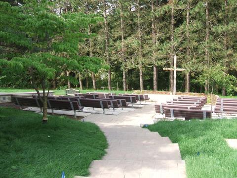 Wally Qualls Memorial Service